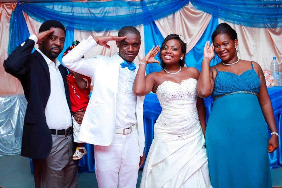 Les membres Ar'c'nal Hip Hop et leurs epouses. De gauche a droite: Steeve Ndone, Yann Michael Imalet Gedd'Onanga, Andree Paule Imalet Onanga et Rychie Alara Ndone.