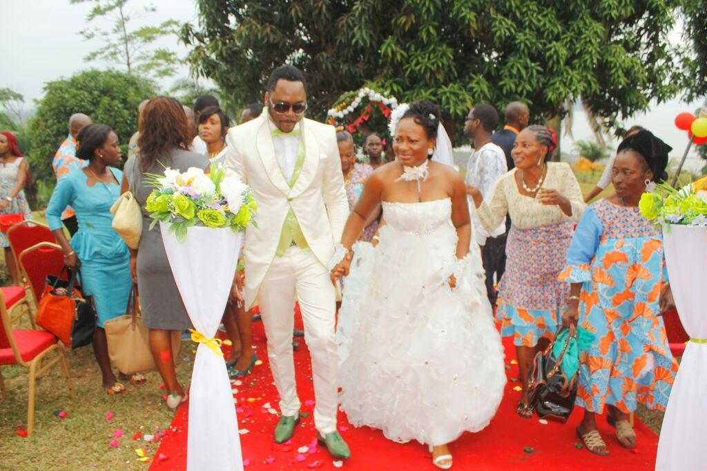 Zeben et Lydia Armelle, mariage a l'etat civil.
