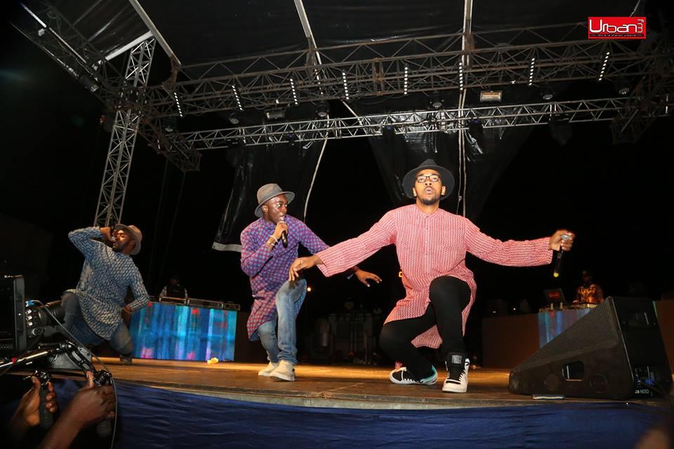 Le collectif BGMFK en pleine performance sur scène lors d'un show à  Libreville. ( PHOTO CREDITS URBAN FM ).