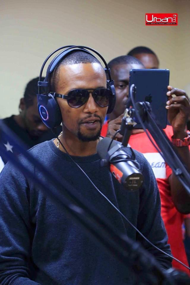 L'artiste Kaz. ( Photo  credit: URBAN FM ).