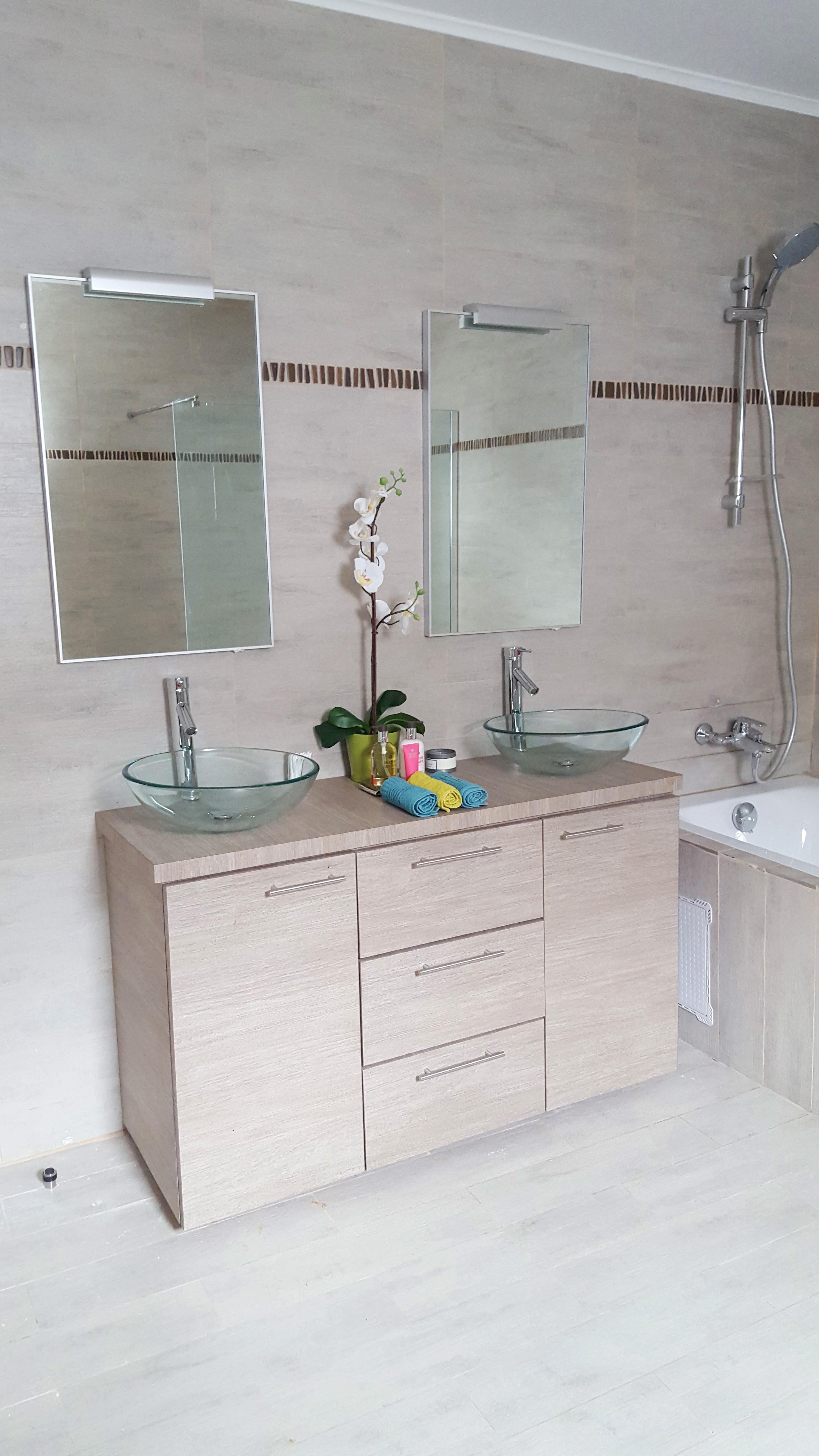 Décoration douche privée par Claudia Walker.