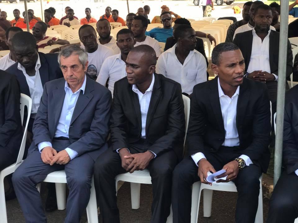L'ancien sélectionneur du Gabon Alain Giresse, Rodrigue Moudounga, Paul Kessany anciens coéquipiers de Moise Brou Apanga.