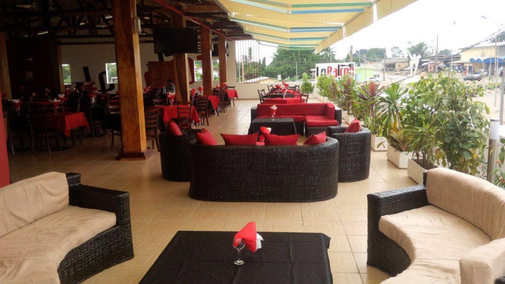 Le Balcon Restaurant - Pizzeria - Lounge
